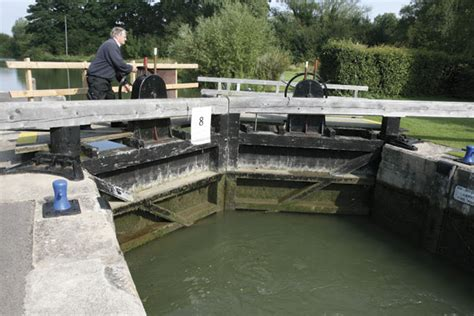 thames lock closures 301 moved permanently