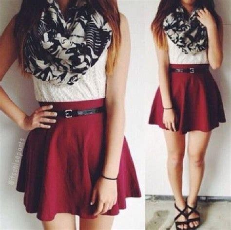Micci Fashion Blouse Lamoda Bw falda color vino blusa blanca bufanda sandalias negras colors