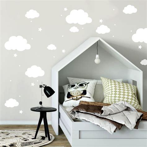 Wandtattoo Kinderzimmer Wolken by Wandtattoo Mit Wolken Sterne Punkte In Wei 223 Kinderzimmer