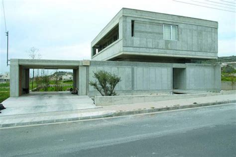 modern concrete house construction iroonie