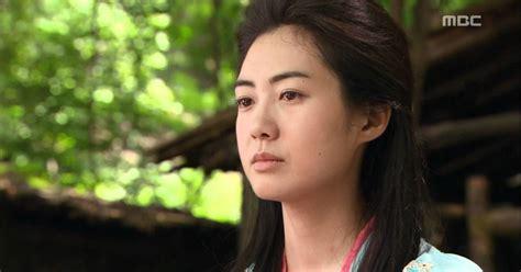 film korea wanita jelek jadi cantik 8 karakter di drama korea ini bisa jadi contoh bahwa
