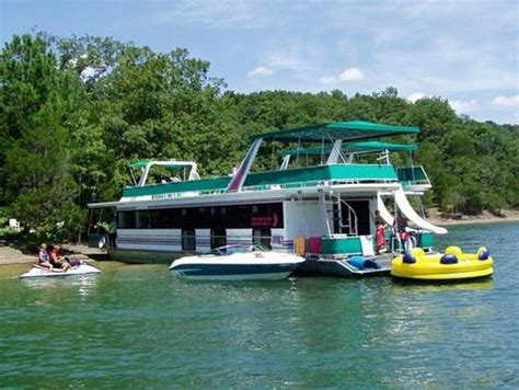 rent house boat houseboats images 75 foot bigfoot houseboat home pinterest kid night and bedrooms
