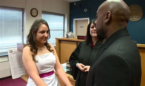 Akron Municipal Court Search Couples Tie The Knot At The Akron Municipal Court Fox8