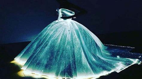 zac posen light up gown danes literally glows wearing light up princess