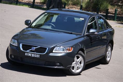 volvo s40 2010 review 2010 volvo s40 2 0d powershift review