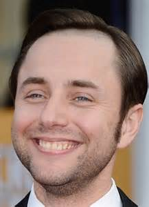 mad men star vincent kartheiser shows how he shaves his