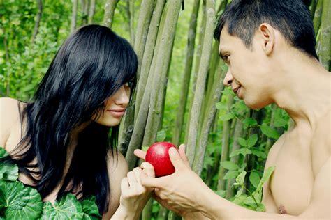 Ultimate Inter Logo 10 Kaos Distro Pria Wanita Oceanseven adam garden of apple forbidden fruit