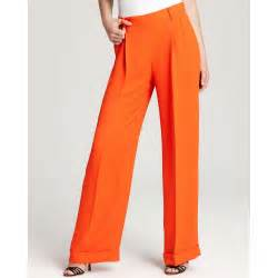Take a glance to these pants the trim tailoring is electrified with