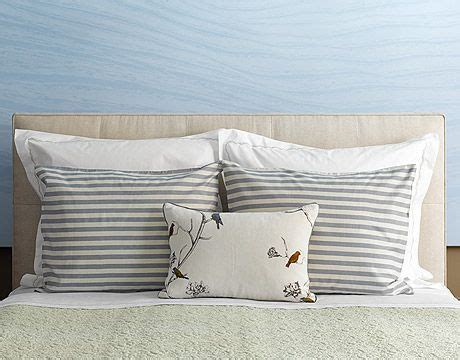 How To Arrange Pillows On A Bed by Arranging Bed Pillows Interiors And Decorating Pinterest
