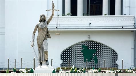 Supreme Court Bangladesh Search Statue Of Removed From Bangladesh S Supreme Court The New York Times