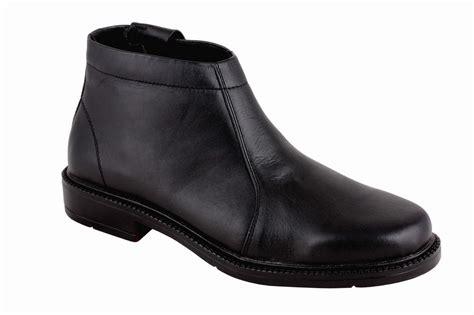Footwear Sepatu Pria sepatu safety safety shoes design bild