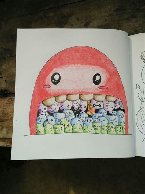 mewarnai doodle  pensil warna goresan absurd
