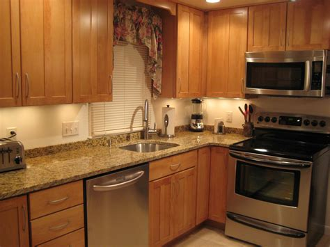 Kitchen Backsplash Ideas No Tile Anyone With A 2 Inch Backsplash Or No Backsplash