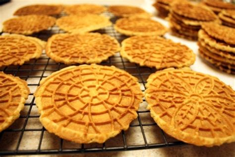 Vanilla Gaulettes (Pizzelles) ? Heirloom Recipe   Art