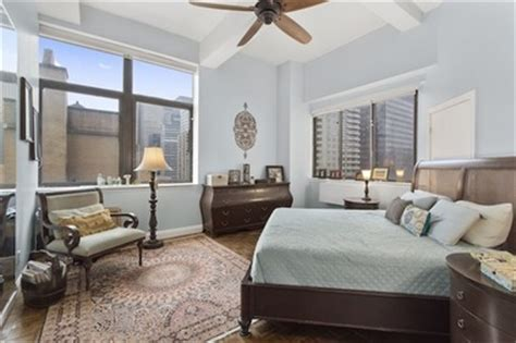 one bedroom apartments in new york city manhattan median home price crosses 1m mark for first