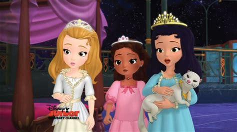 Amber Cleo And Hildegard In Nightgowns By Joshuaorro On Princess Hildegard Sofia The