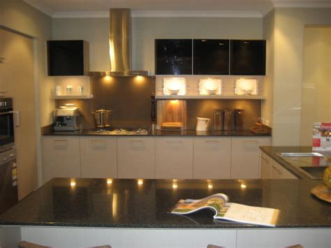 looking for glass splashbacks to add class to your kitchen