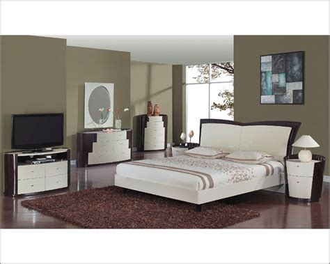 two tone bedroom furniture two tone modern bedroom set nora 35b71