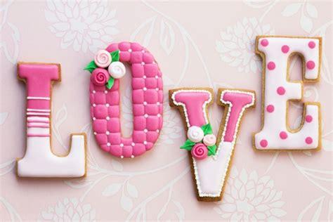 biscotti lettere biscotti di san valentino foto tomato