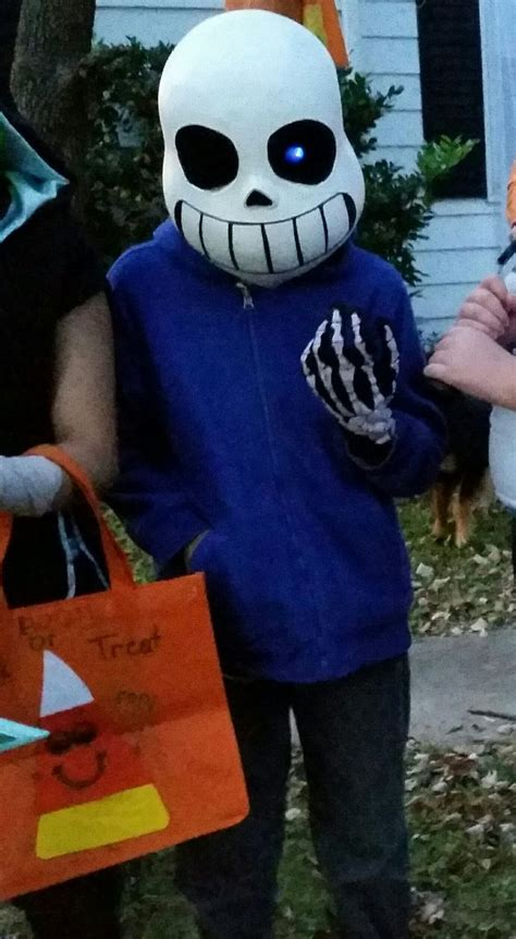 finished sans costume  gloves  party city