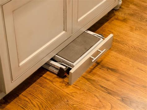 Cabinet Step Stool by 29 Clever Ways To Keep Your Kitchen Organized Prepping