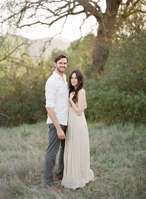 Natural Outdoor Anniversary Session   Engagement Session Ideas