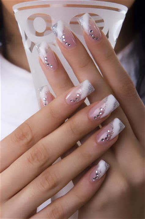 Artificial Nails by Acrylic Nails For Best Nail Designs