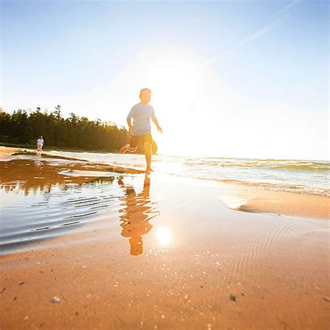great lakes beach towns