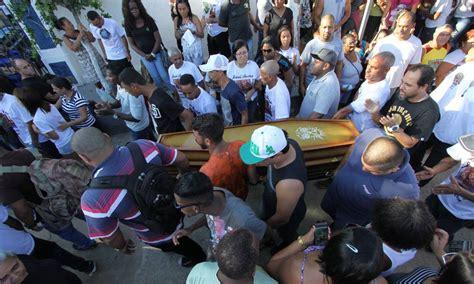 torcedor morto ap 243 s vasco x flamengo 233 enterrado na zona