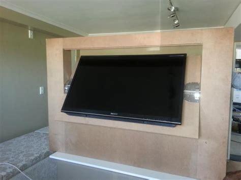 Versteckter Fernseher by Custom Flip Wall Panel Tv Doityourself
