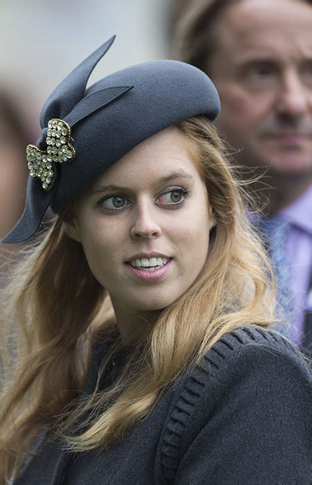 Jumping Light The Queen And Princess Beatrice Enjoyed A Day Out At The