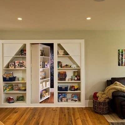 libreria con porta libreria divisoria con porta nascosta in legno colle