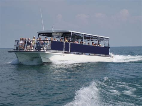 boat rental with driver chicago the fleet powerboat rentalspower boat rentals