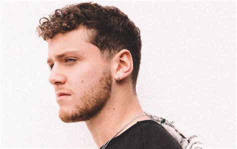 bazzi hit songs interview bazzi reacts to his funniest tweets talks new
