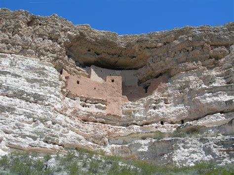Batu Tua gambar batu tua lembah pembentukan jurang