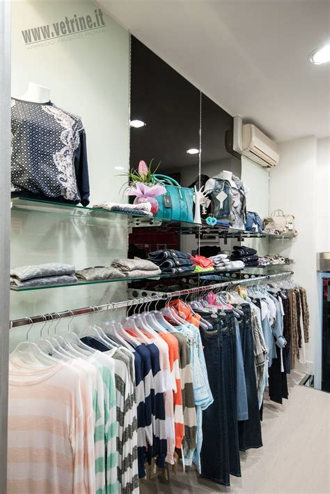 negozi arredo arredo negozio abbigliamento black abbigliamento donna