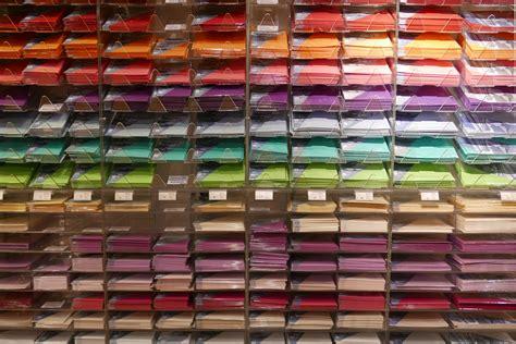 Rak Warna Warni gambar pos kayu perspektif pola warna kantor rak