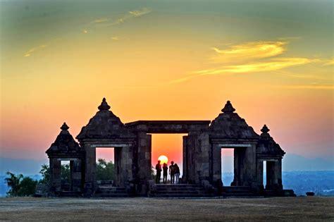 background jogja ratu boko sunset best panorama in jogja galuhdaridesa