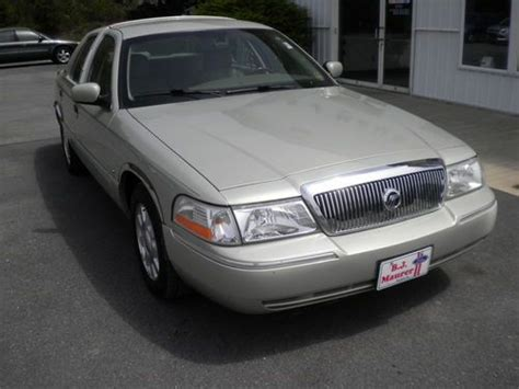 car engine manuals 2005 mercury grand marquis user handbook service manual buy car manuals 2005 mercury grand marquis auto manual find used 2005 mercury