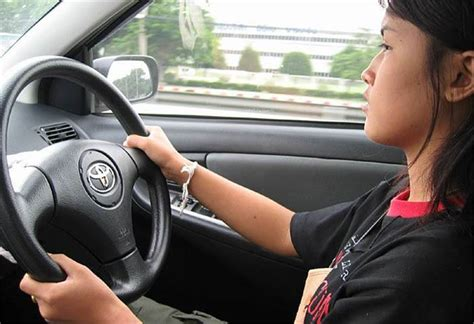 Klip Grill Toyota Soluna toyota soluna vios 2003 car review honest
