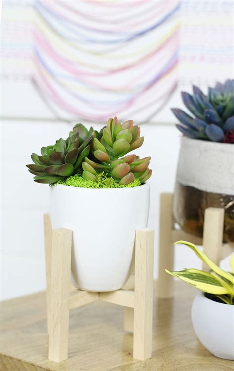 beautiful diy planters  spring resin crafts