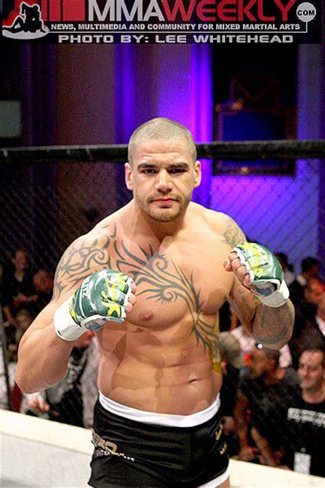 Rage Vs Maldonado Former Ufc Fighter Mcsweeney Stops Knife Wielding Thief In Las Vegas Mmaweekly