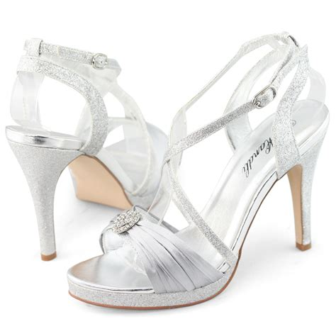 Hight Hells Silver which dresses to wear with silver high heels carey fashion