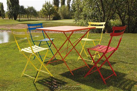 table  chaises de jardin pliables en acier couleur petit prix