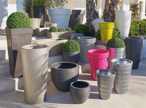 Grand Pot Pour Jardin by Pots Et Jardini 232 Res Habillent La Terrasse Et Le Jardin