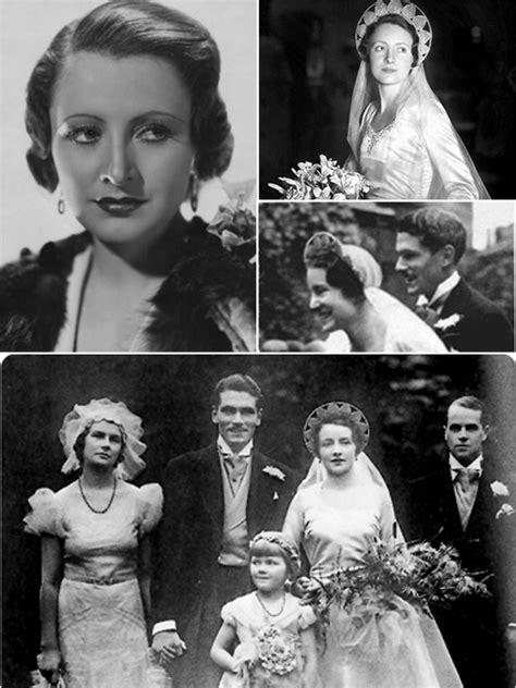 iconic wedding dresses     wedding secret