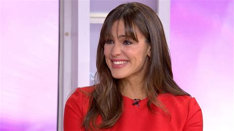 Harry And Meghan jennifer garner cries when discussing mom sisters and