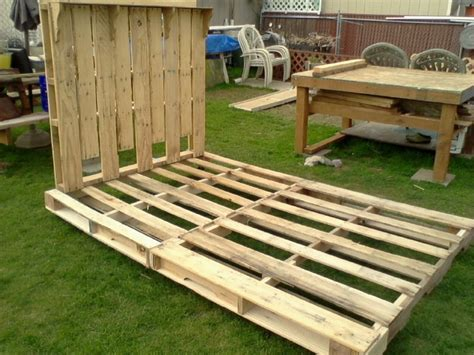 futon made from pallets bed frame and headboard made from pallets the frame has