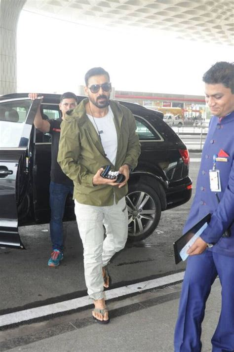 men  including john abraham  stop wearing