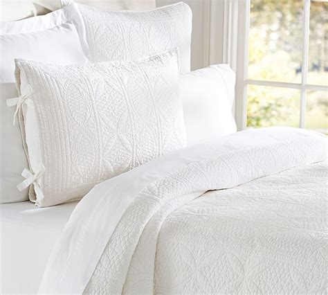 bedding barn how to use all white bedding
